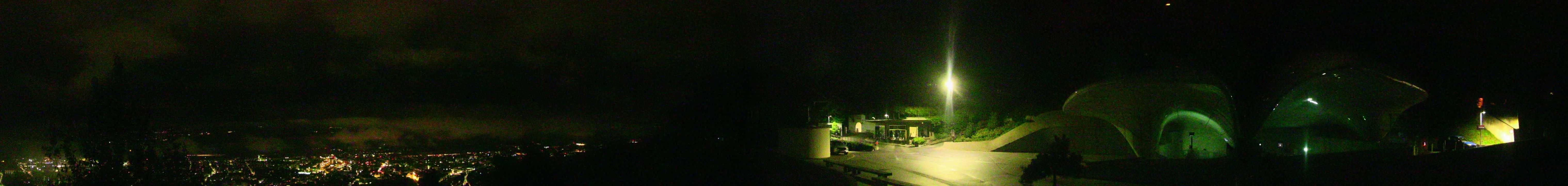 In nur 20 Minuten gelangen Familien mit der Hungerburgbahn vom Innsbrucker Stadtzentrum in das hochalpine Gelände der Nordkette Innsbruck.